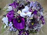 Veľká fialová kytica zo sušených a umelých kvetov