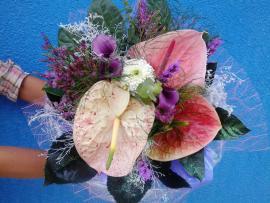 Náhľad - Sviatočná ružová s antúriami
